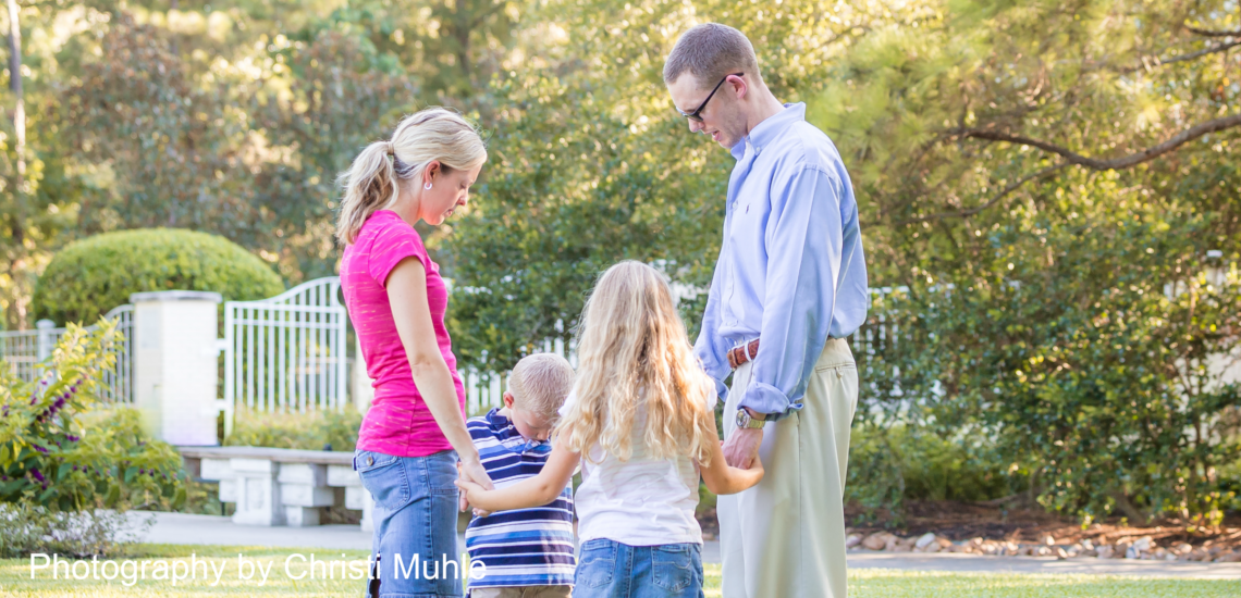 Teaching Kids to Pray: here are four ways to pray with your kids